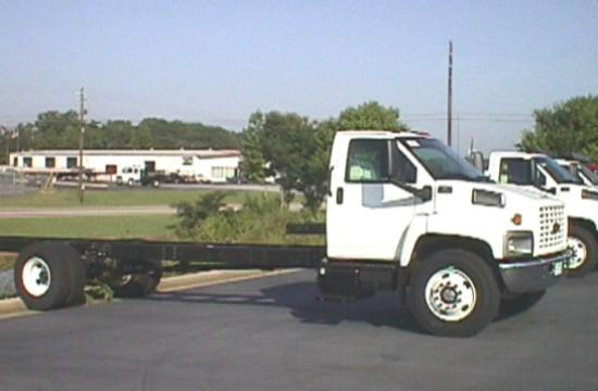 2005 Chevrolet C7500 Truck Picture