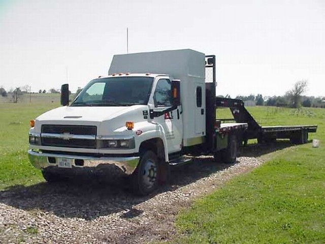 2005 Chevrolet W5500 Truck Picture
