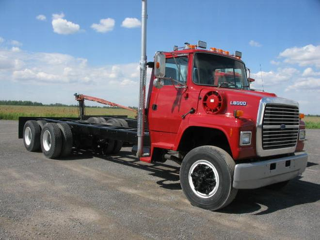 1995 ford l8000 truck picture