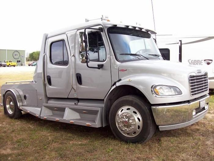 2006 Freightliner Business Class M2 Truck Picture
