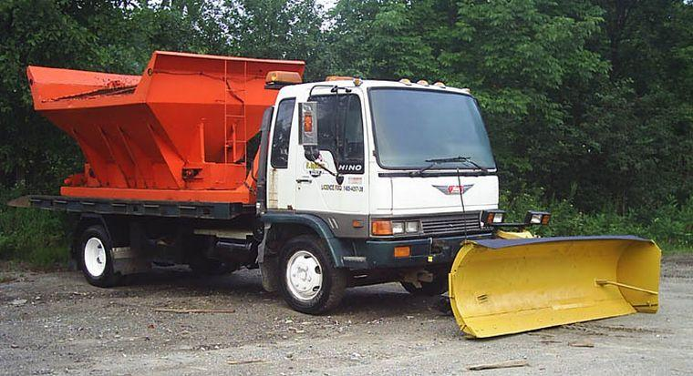 1993 Hino FD Snow Plow Truck Picture
