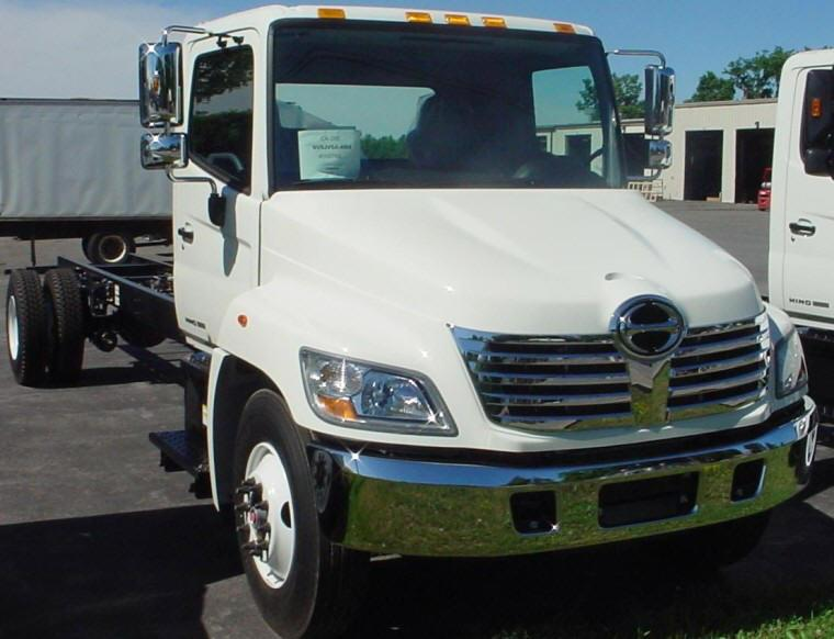 Front right white 2010 Hino 338 Truck Picture