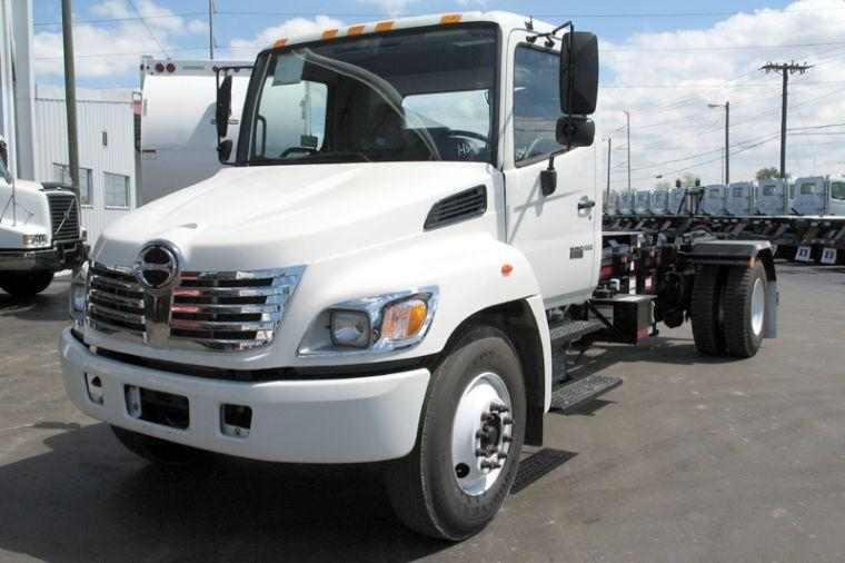 2006 Hino Roll-Off Truck Picture