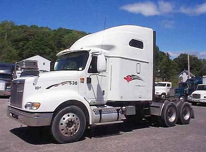 Front Left White 2003 International 9200i Truck Picture