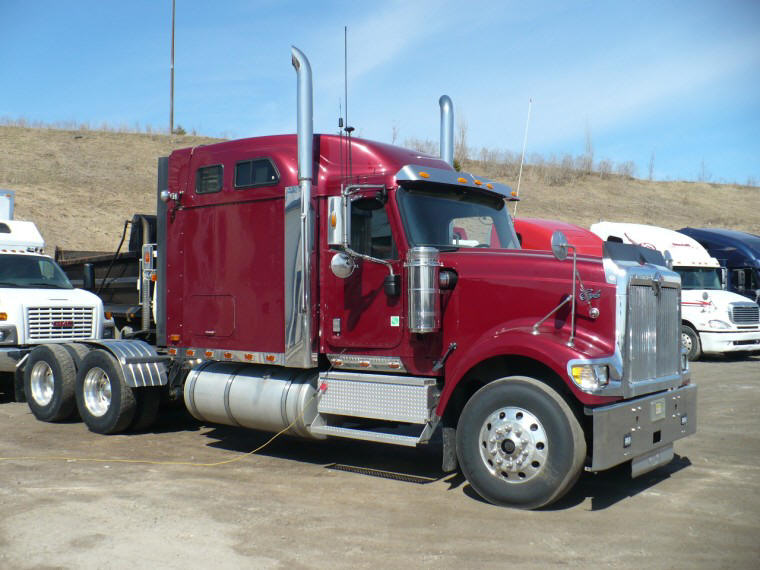 2005 International Eagle 9900i Truck Picture