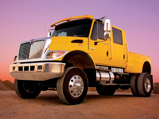 Front Left 2008 International CXT Truck Picture