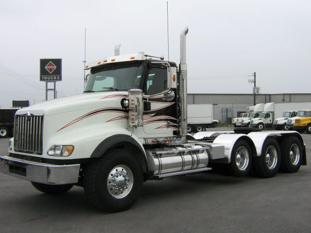 Front Left 2009 International 5900i Truck Picture