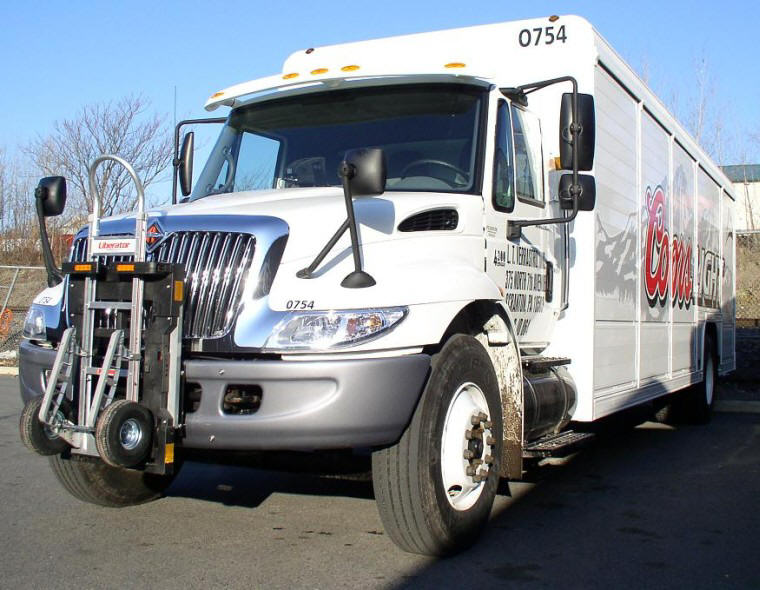 Front left International NavStar 4300 Truck Picture