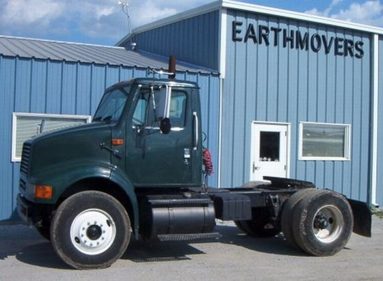 1999 International 8100 Truck Picture