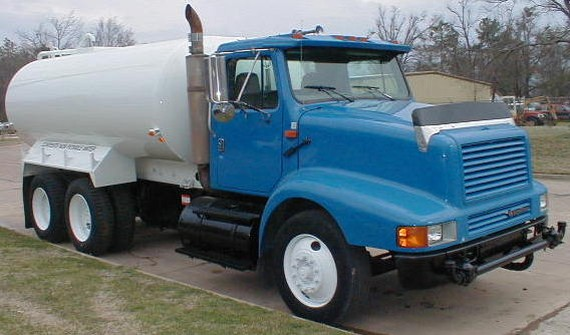 Front Right Blue 1996 International Water Truck Picture