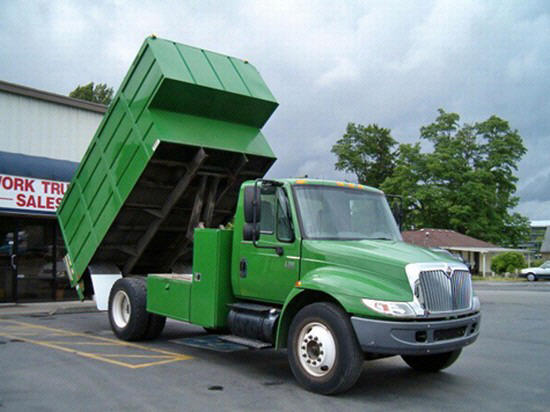 2002 International 4300 Truck Picture