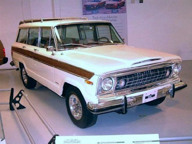 Front Right 1973 Jeep Wagoneer Truck Picture
