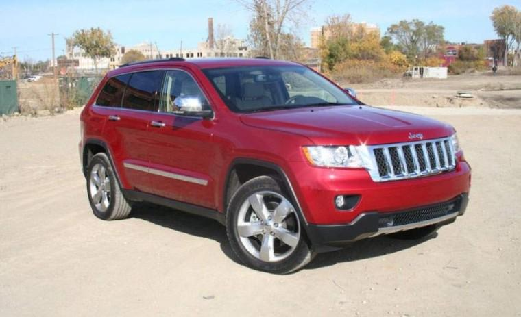 Front Right Red 2011 Grand Cherokee Truck Picture