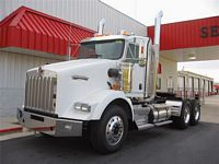 Front Left White 2008 Kenworth T800 Truck Picture