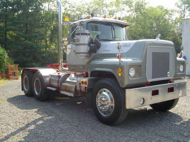 1973 Mack Tractor Truck : Right front gray mack tri axle truck photo classy
