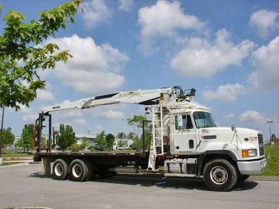 2000 Mack CL713 Truck Picture