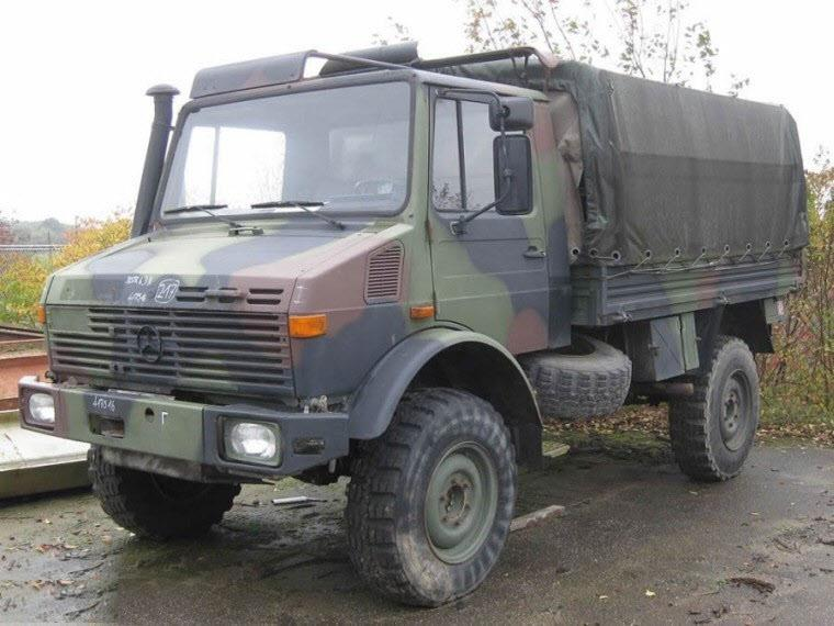 Front Left Mercedes-Benz Unimog Truck Picture