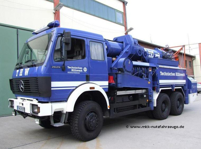 Front Left Blue 2005 Mercedes-Benz 2629 Truck Picture
