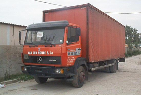 1990 Mercedes-Benz 817 Truck Picture