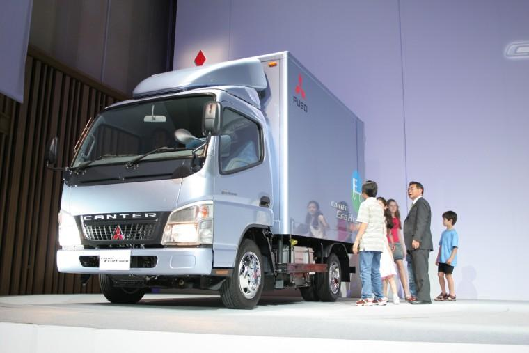 2007 Mitsubishi Canter Hybrid Truck Picture