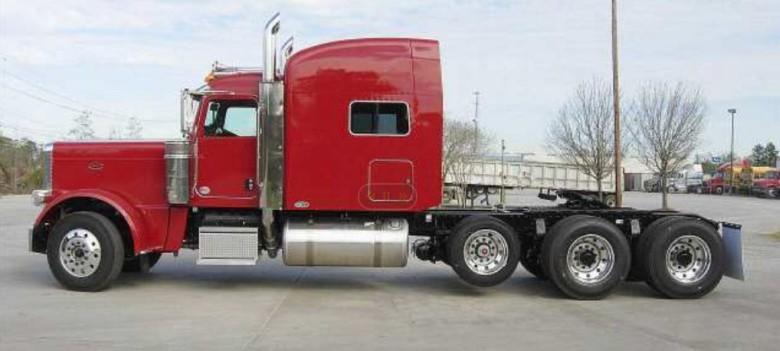 Left Side Red 2010 Peterbilt 389 Truck Picture