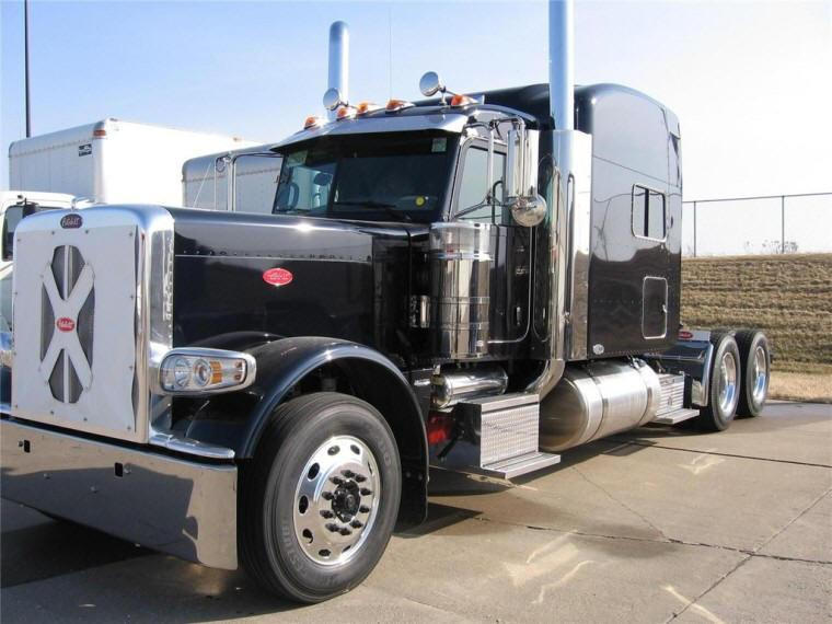 Front Left Black 2010 Peterbilt 389 Truck Picture