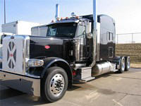 Front Left 2010 Peterbilt 389 Truck Picture