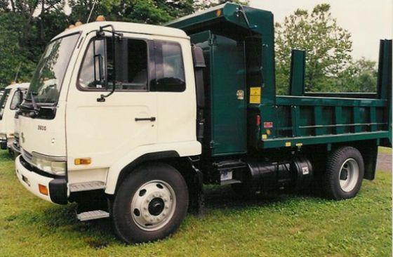 UD 2600 357 Dump  Truck Picture