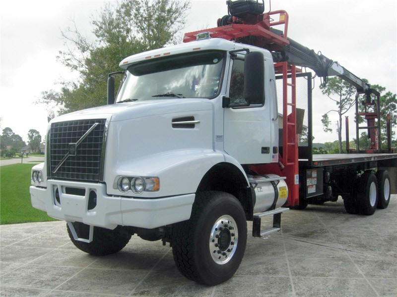 2002 Volvo VHD64T Truck Picture