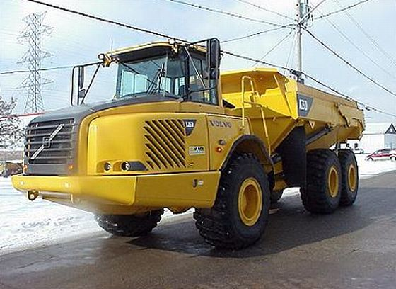2005 Volvo A25D Truck Picture