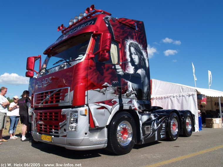 Front Left Volvo FH12 Wagner Cargo Truck Picture