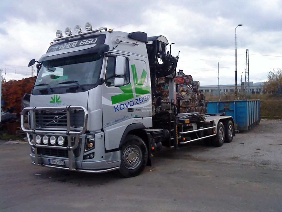 Front Left Volvo FH 16 Truck Picture