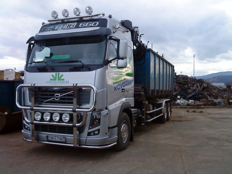 Front View Volvo FH 16 Truck Picture