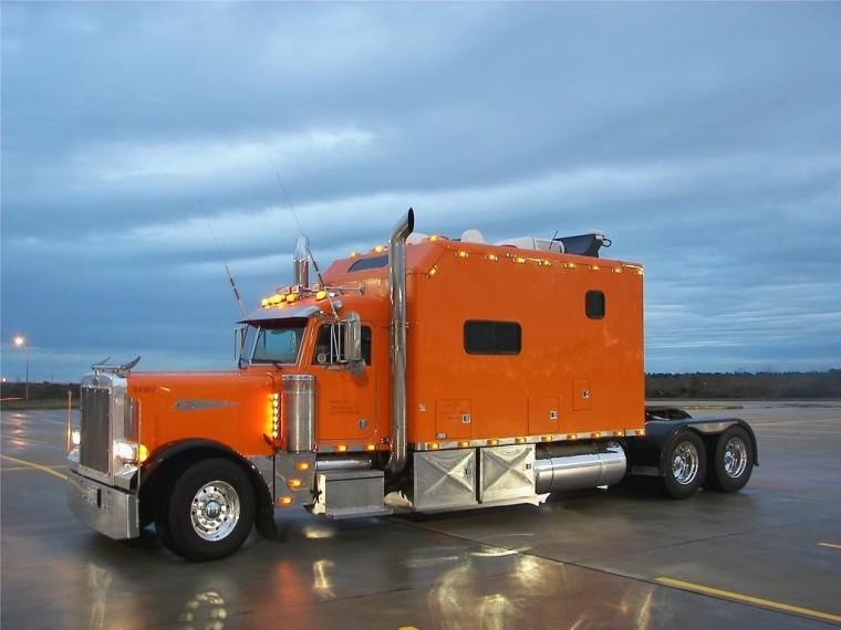 Left Side 2007 Western Star 4900 Truck Picture