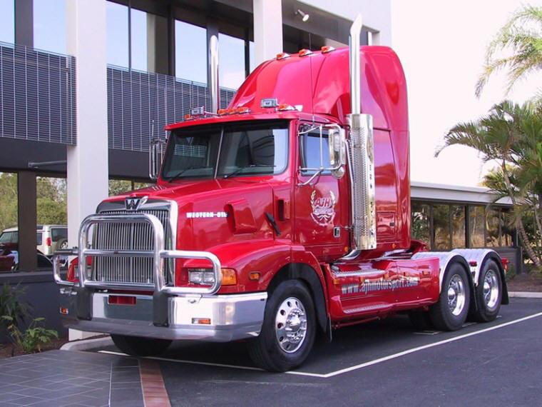 Front Left 2007 Western Star 5800 Truck Picture